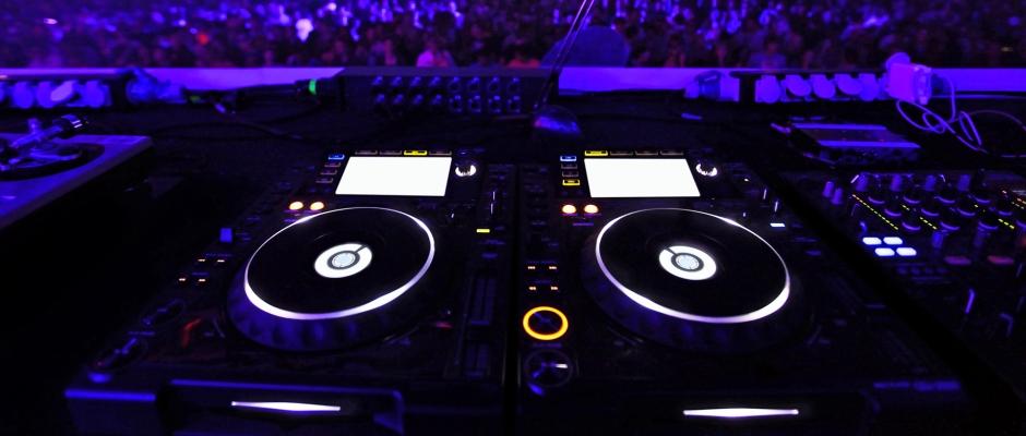 DJ-Equipt-IStock-Image-11.4.20131