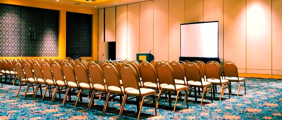 Meeting-w-Screen-IStock-11.4.2013