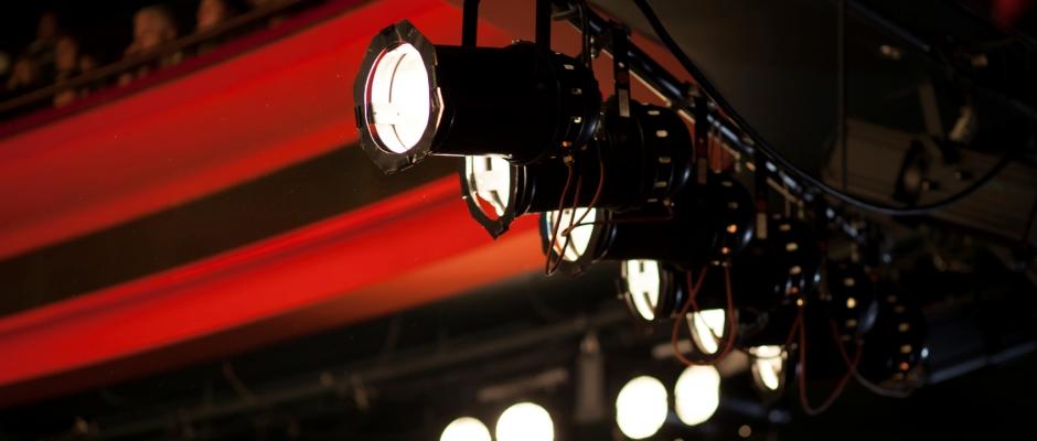 Stage-Light-IStock-Image-11.4.2013