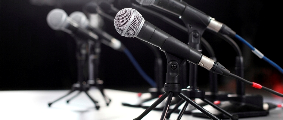Wired-Mics-Multiple-IStock-Image-11.4.2013